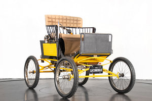 LOCOMOBILE RUNABOUT (1900)