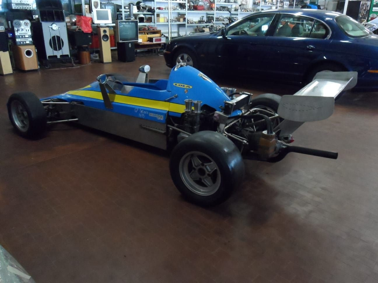 1974 LOLA CHASSIS FORMULA 3 +  Hewland  Gearbox. For Sale (picture 4 of 10)