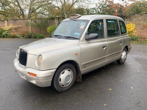 **DECEMBER AUCTION** 2001 London Taxi Inter. TX1 Bronze Auto SOLD by Auction