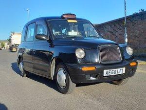 2006 London taxi black taxi cab TX2