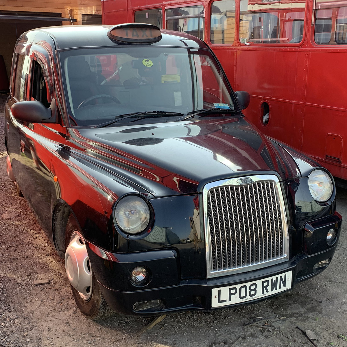 Picture of 2008 LTI TX4 London Black Cab, Rare 7 seater For Sale