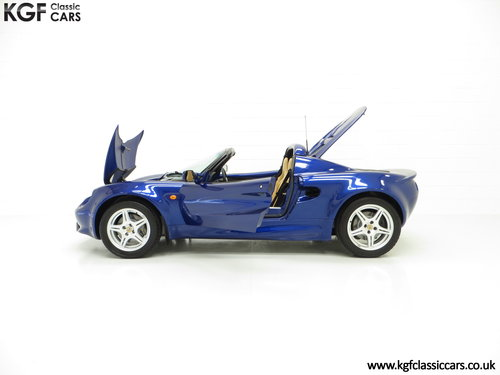 1998 An Impeccable Lotus Elise S1 with One Owner and 4,757 miles SOLD (picture 3 of 6)