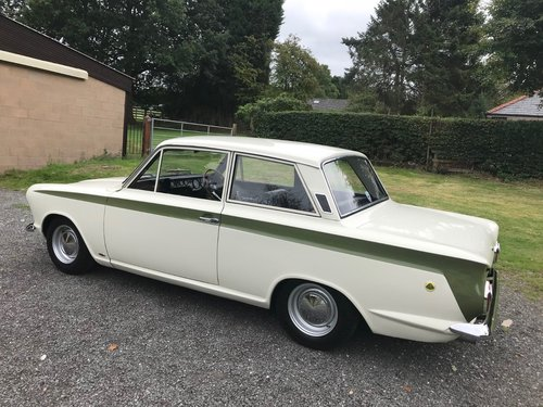 1966 LOTUS CORTINA GREEN/WHITE GENUINE CAR SIMPLY STUNNING! SOLD (picture 3 of 6)