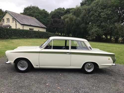 1966 LOTUS CORTINA GREEN/WHITE GENUINE CAR SIMPLY STUNNING! SOLD (picture 4 of 6)