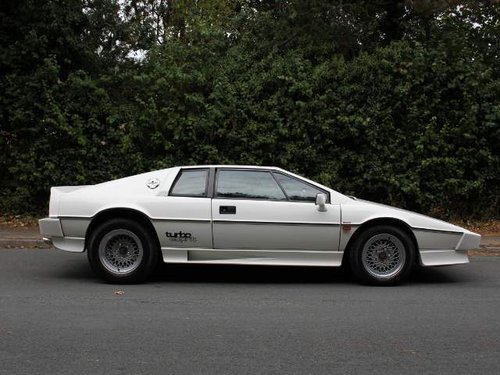 Lotus Esprit Turbo - 1985 Motorshow Car, 67k miles from new For Sale (picture 4 of 6)
