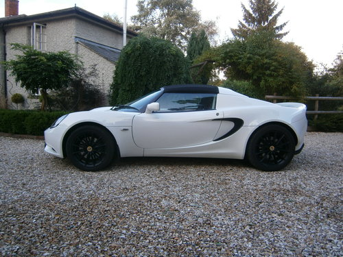 2017 LOTUS ELISE SPORT MK3 16V METALLIC WHITE LOW MILES *SOLD* SOLD (picture 2 of 6)