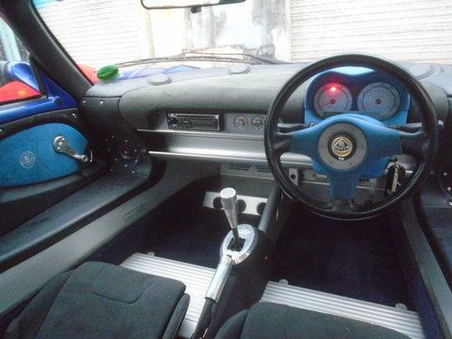 2003 LOTUS ELISE 135R  RAREST OF THE RARE ONLY 100 BUILT LTD For Sale (picture 4 of 6)