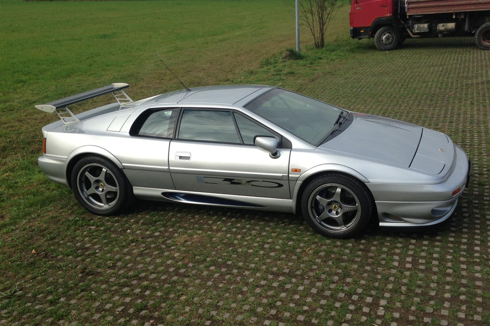 1999 Lotus Esprit V8 350 Sport - N°28 of 43 For Sale (picture 2 of 6)