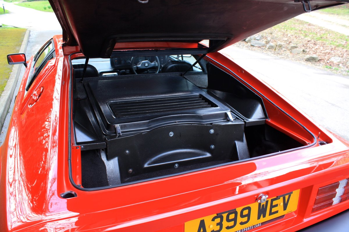Lotus Esprit Turbo, 1983. Superb example in Calypso Red  For Sale (picture 4 of 6)