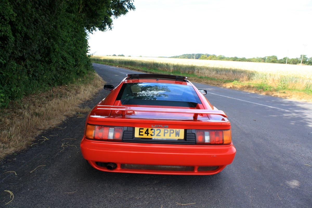 Lotus Esprit Turbo, 1988 (February).  Calypso Red / Raven SOLD (picture 2 of 6)