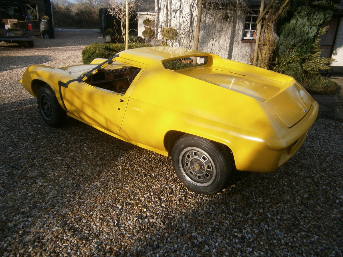 LOTUS EUROPA S2 1971 LOTUS YELLOW RESTORED CAR FOR *SOLD* For Sale (picture 2 of 6)