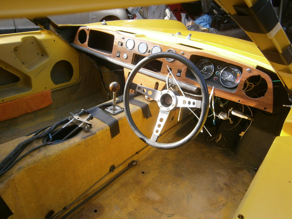 LOTUS EUROPA S2 1971 LOTUS YELLOW RESTORED CAR FOR *SOLD* For Sale (picture 5 of 6)
