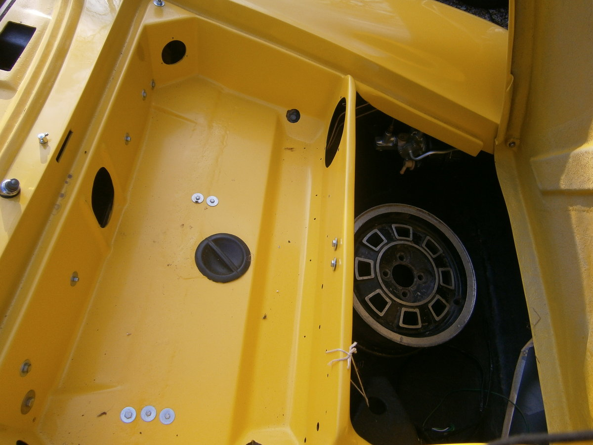 LOTUS EUROPA S2 1971 LOTUS YELLOW RESTORED CAR FOR *SOLD* For Sale (picture 6 of 6)