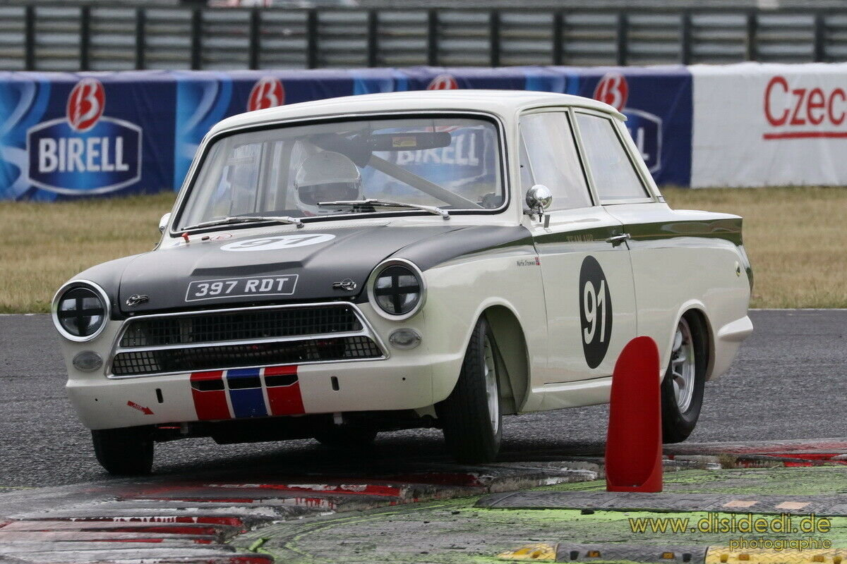 1963 LOTUS CORTINA F.I.A RACE CAR PROVEN RACE WINNER SUPERB! For Sale (picture 5 of 6)