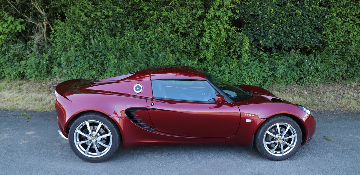 Lotus Elise 111R Touring, 2004.  Factory hard-top & soft-top SOLD (picture 3 of 6)
