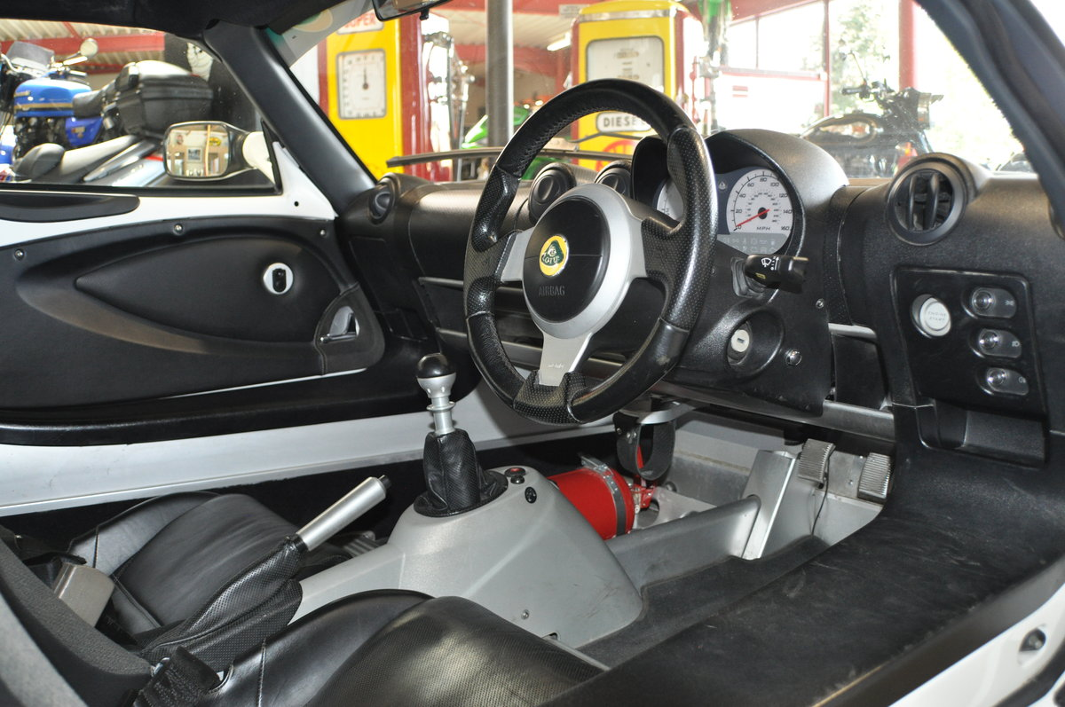 Lotus Exige 220 S White 2006 For Sale (picture 5 of 6)