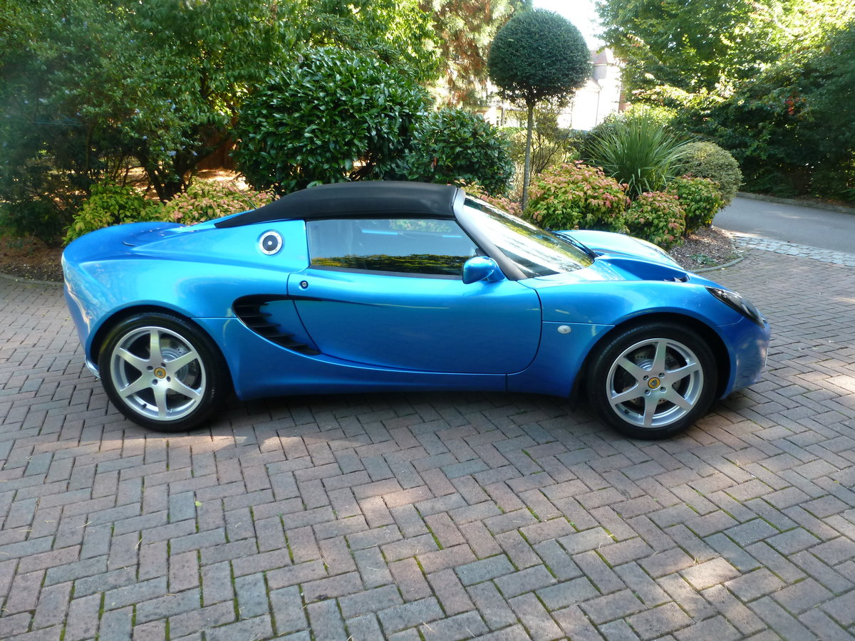 2001 Beautiful low mileage Elise S2 For Sale (picture 2 of 6)