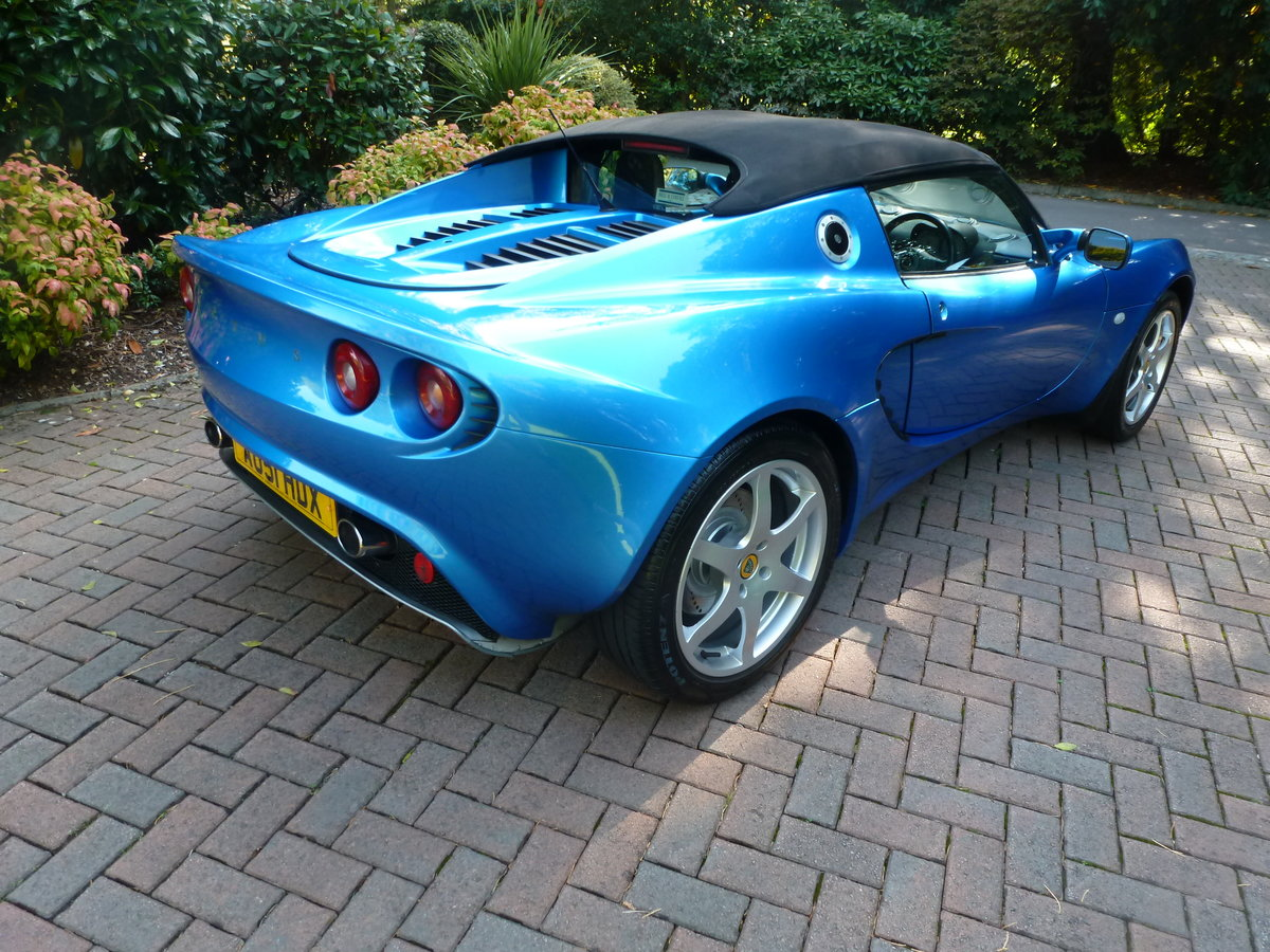 2001 Beautiful low mileage Elise S2 SOLD (picture 3 of 6)