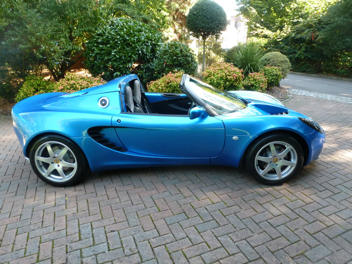2001 Beautiful low mileage Elise S2 SOLD (picture 4 of 6)