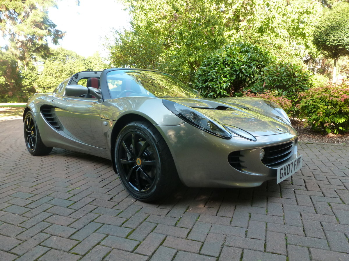 2007 Beautiful low mileage Elise 111R For Sale (picture 1 of 6)
