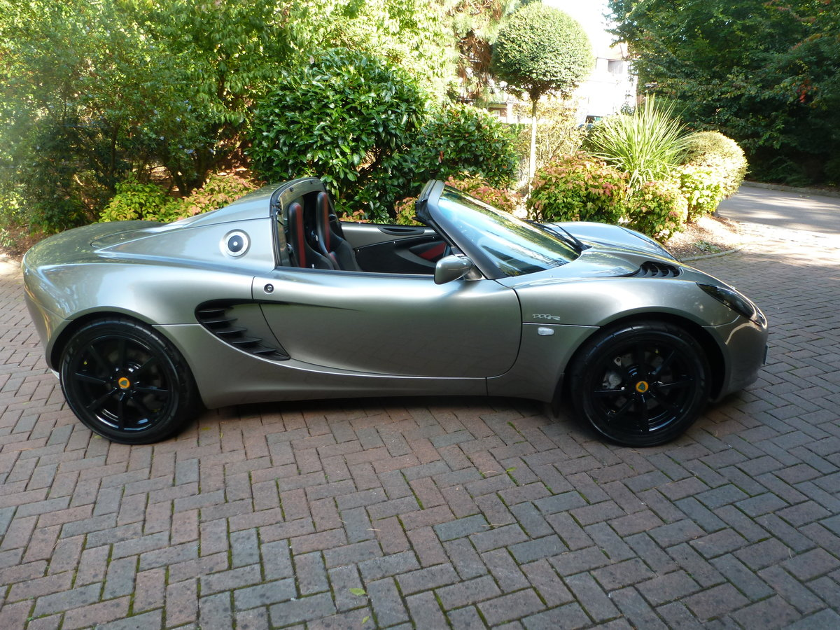 2007 Beautiful low mileage Elise 111R For Sale (picture 3 of 6)