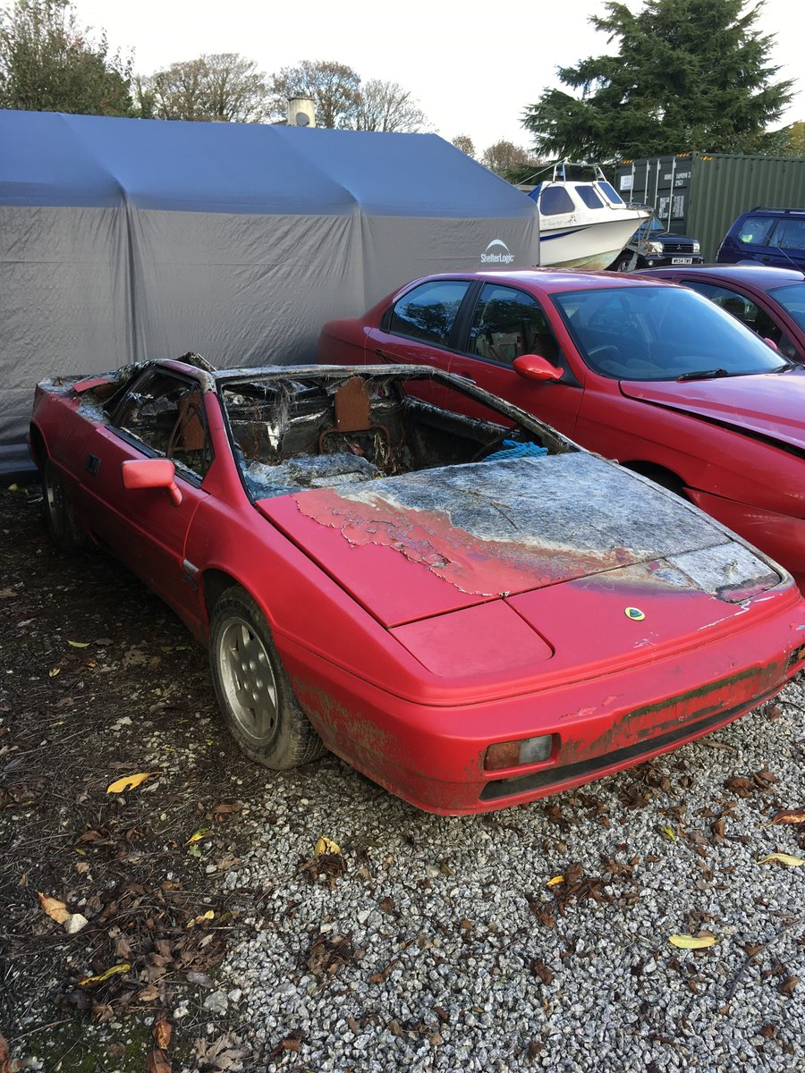 1988 Lotus esprit for parts only, fire damage, no id as cat b For Sale (picture 1 of 2)