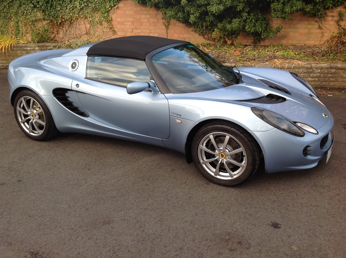 2006 Lotus Elise 111R Touring (189 BHP) For Sale (picture 1 of 6)