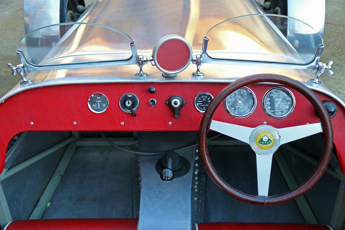 1959 Lotus 7 S1 Exceedingly rare with period competition history For Sale (picture 4 of 6)