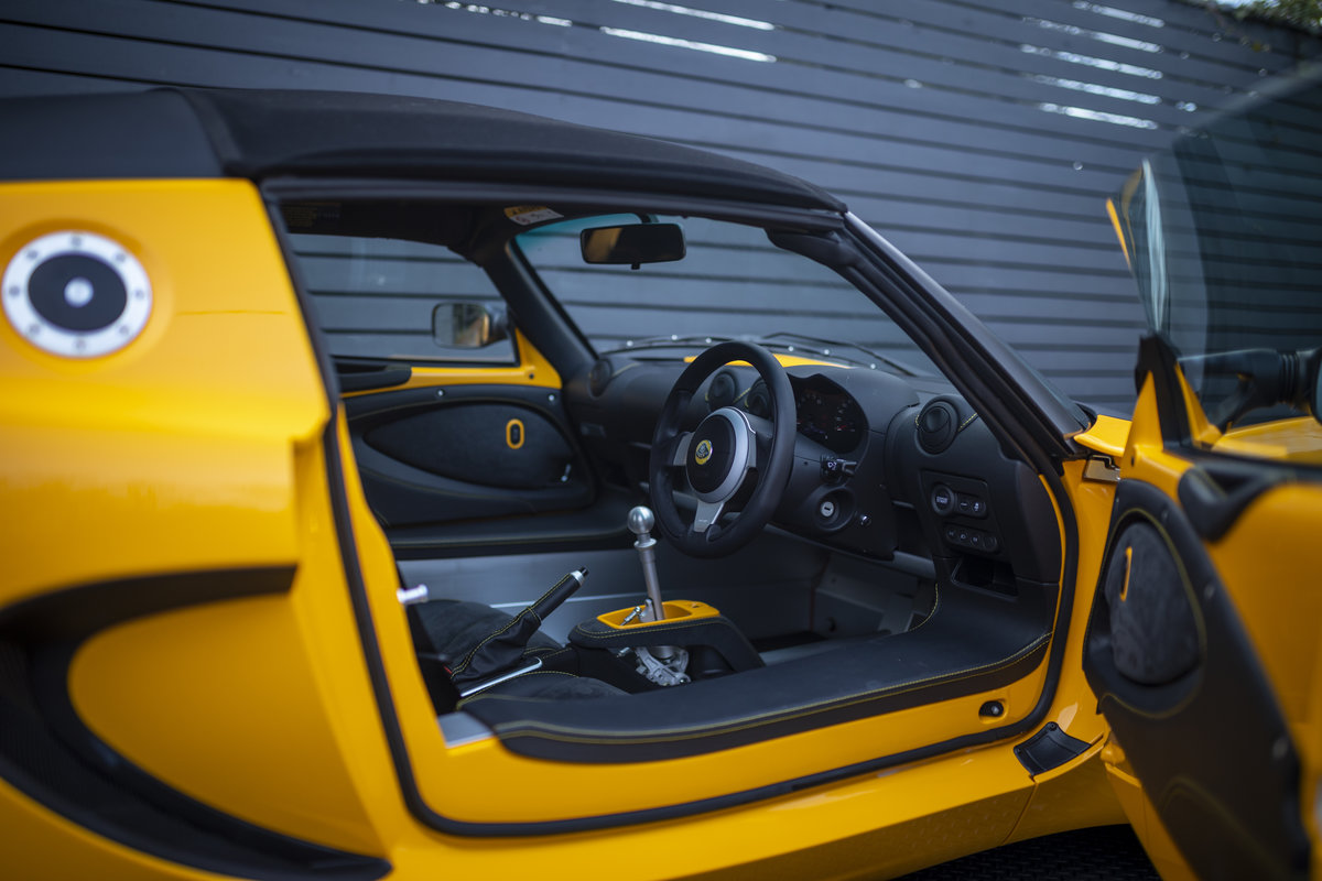 2020 YELLOW PAINTWORK WITH BLACK ALCANTARA INTERIOR For Sale (picture 8 of 24)