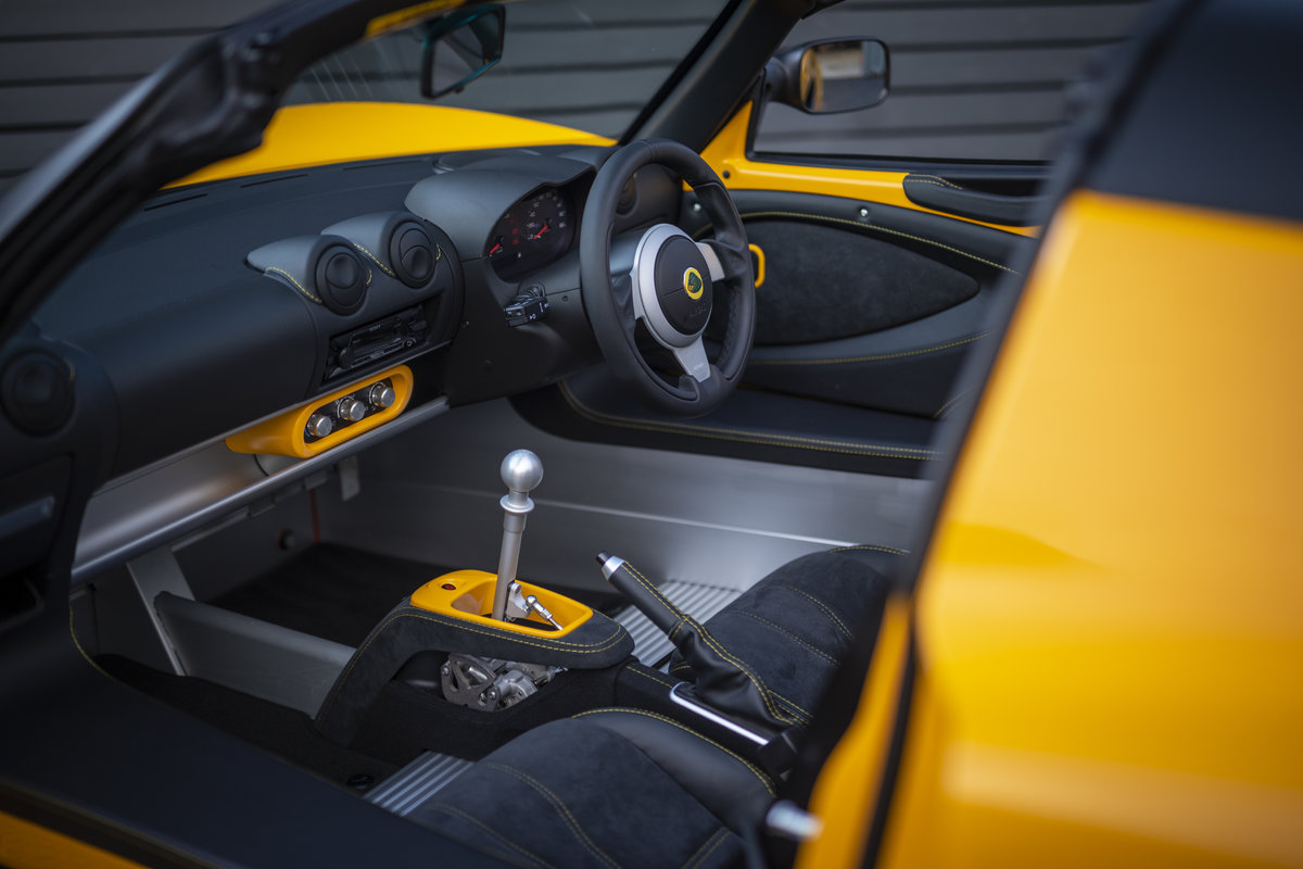 2020 YELLOW PAINTWORK WITH BLACK ALCANTARA INTERIOR For Sale (picture 11 of 24)
