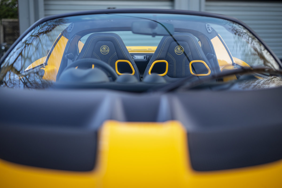 2020 YELLOW PAINTWORK WITH BLACK ALCANTARA INTERIOR For Sale (picture 12 of 24)