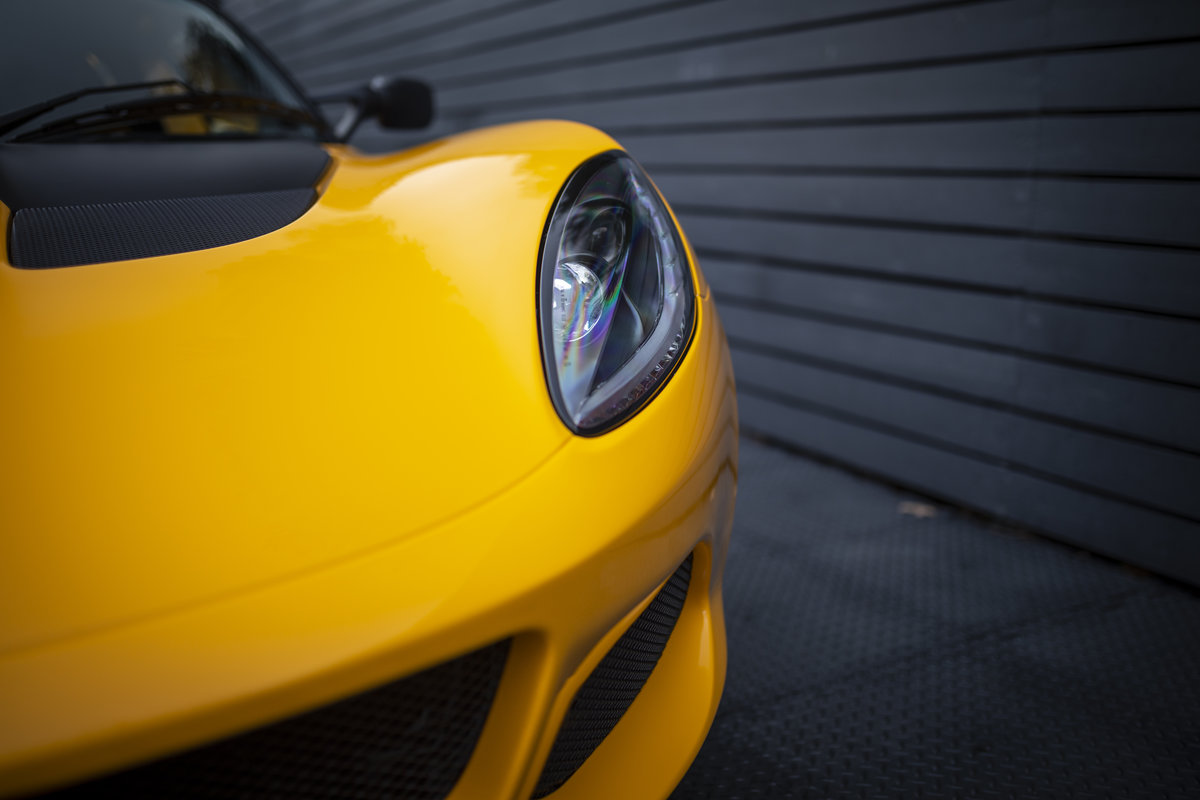 2020 YELLOW PAINTWORK WITH BLACK ALCANTARA INTERIOR For Sale (picture 20 of 24)