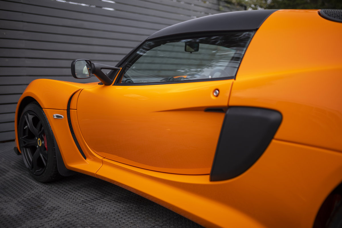 2020 ORANGE PAINTWORK WITH BLACK ALCANTARA INTERIOR For Sale (picture 6 of 24)
