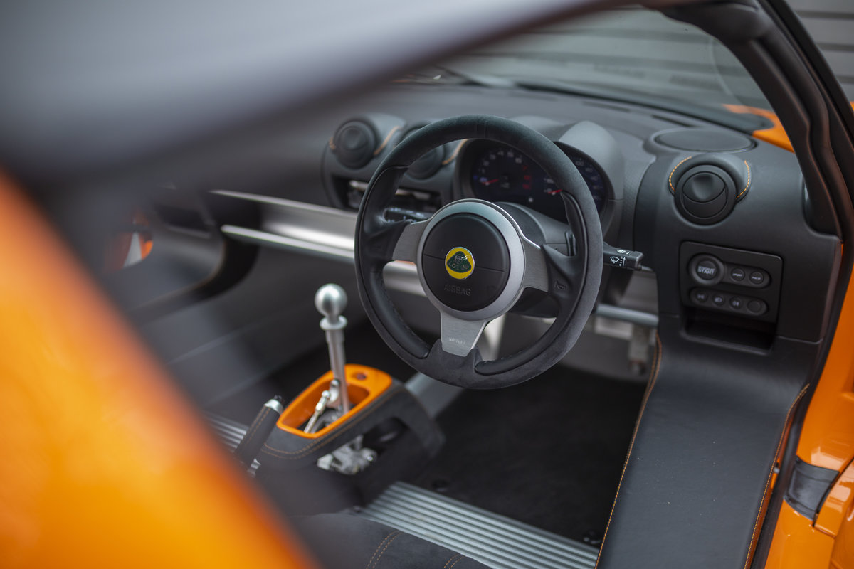 2020 ORANGE PAINTWORK WITH BLACK ALCANTARA INTERIOR For Sale (picture 7 of 24)