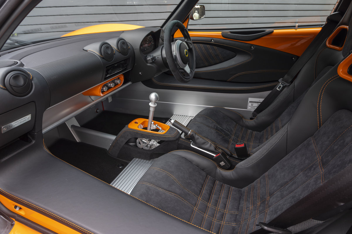 2020 ORANGE PAINTWORK WITH BLACK ALCANTARA INTERIOR For Sale (picture 9 of 24)