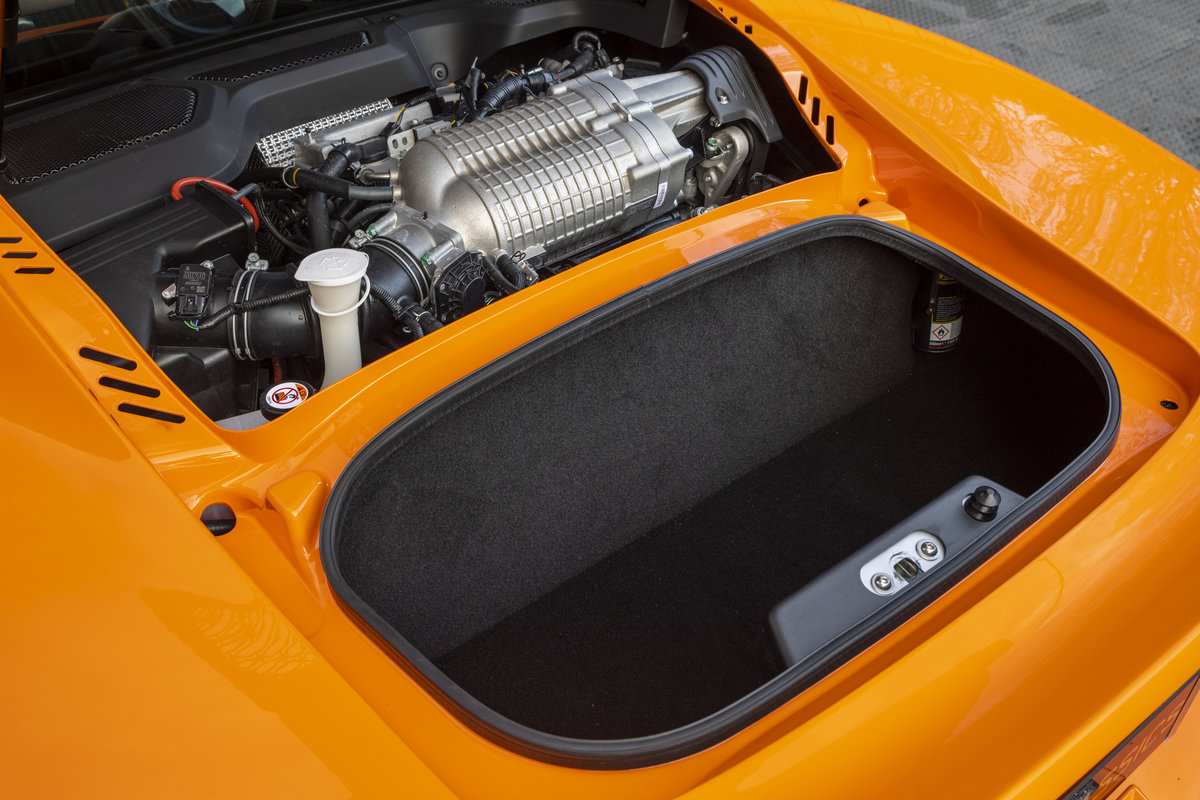 2020 ORANGE PAINTWORK WITH BLACK ALCANTARA INTERIOR For Sale (picture 13 of 24)