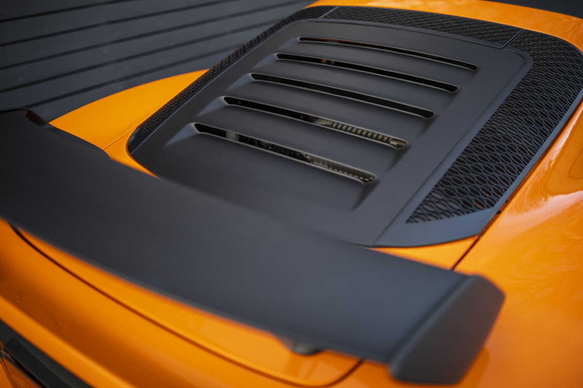 2020 ORANGE PAINTWORK WITH BLACK ALCANTARA INTERIOR For Sale (picture 15 of 24)