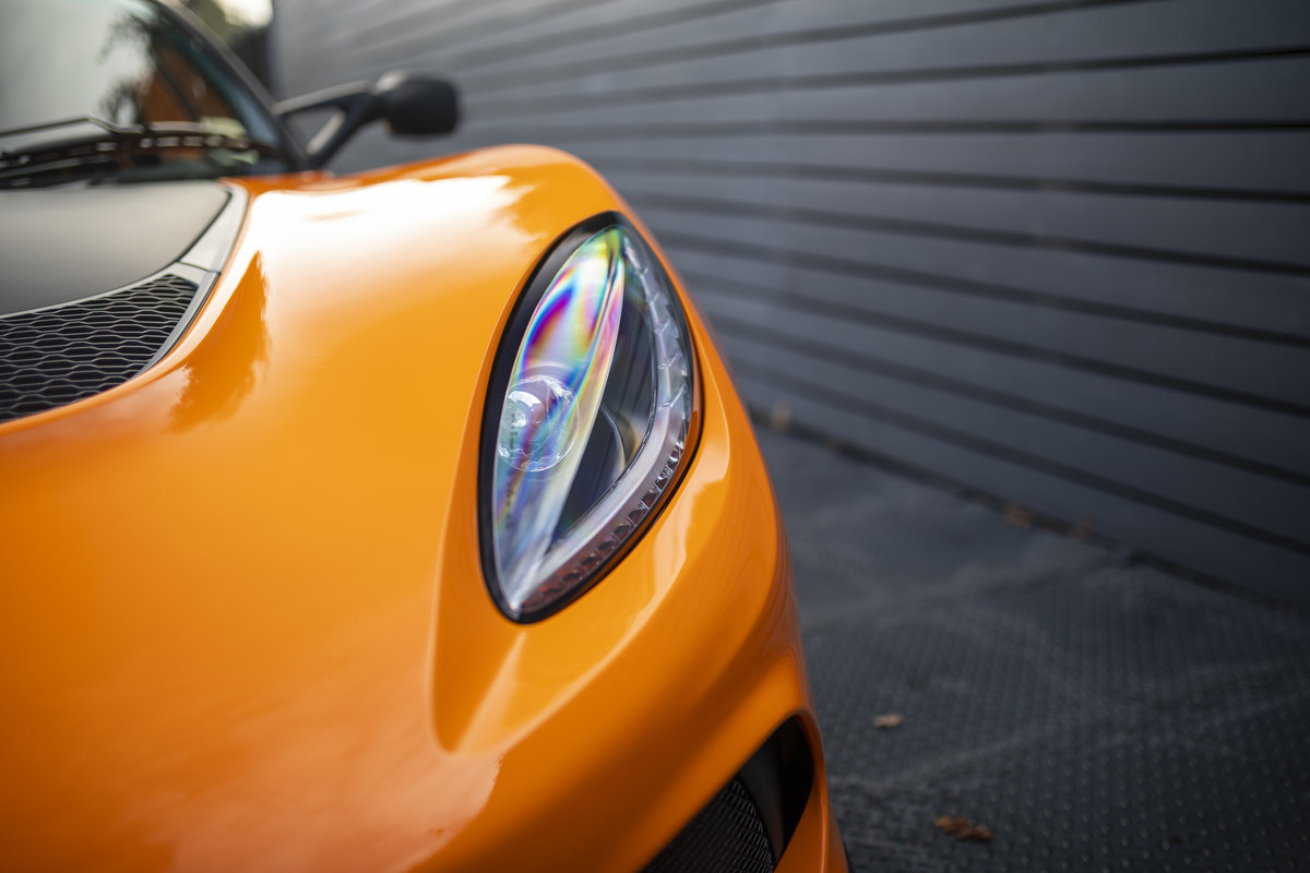2020 ORANGE PAINTWORK WITH BLACK ALCANTARA INTERIOR For Sale (picture 18 of 24)