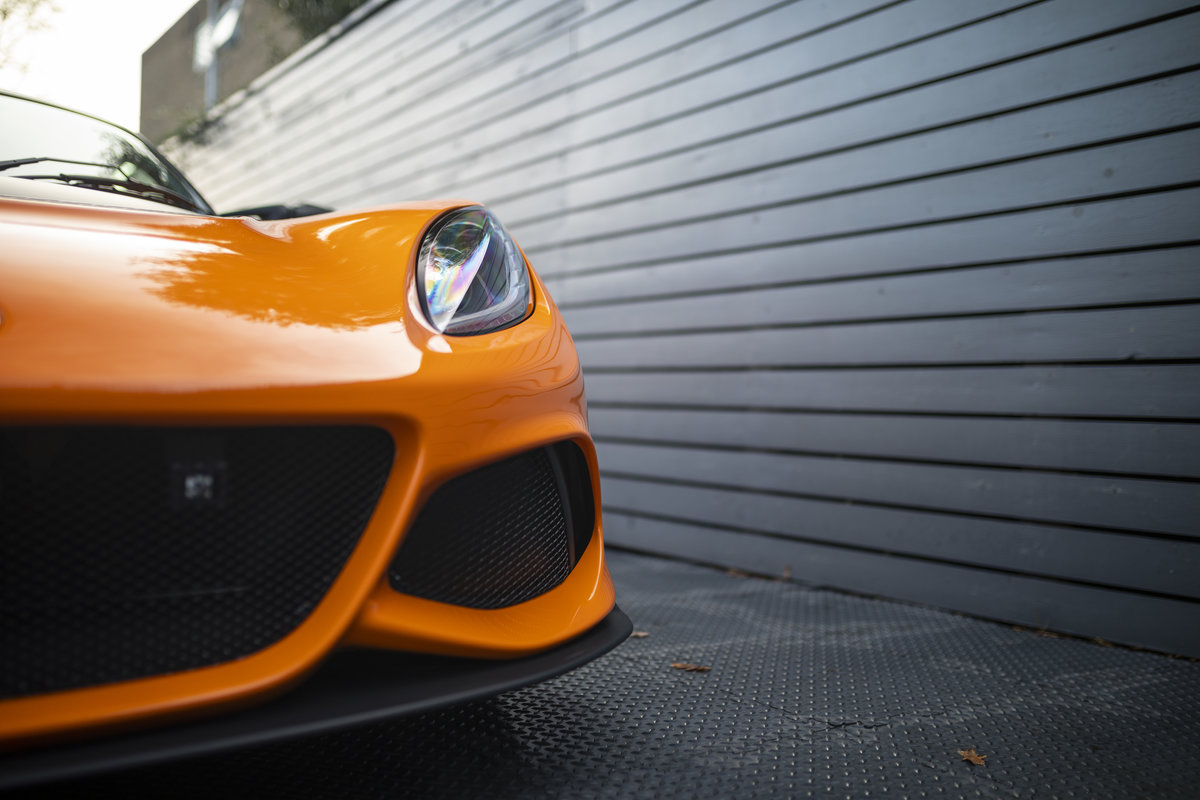2020 ORANGE PAINTWORK WITH BLACK ALCANTARA INTERIOR For Sale (picture 20 of 24)