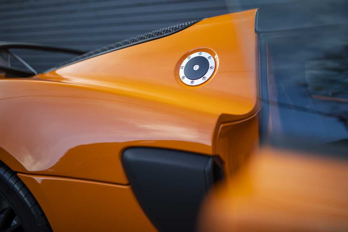 2020 ORANGE PAINTWORK WITH BLACK ALCANTARA INTERIOR For Sale (picture 21 of 24)