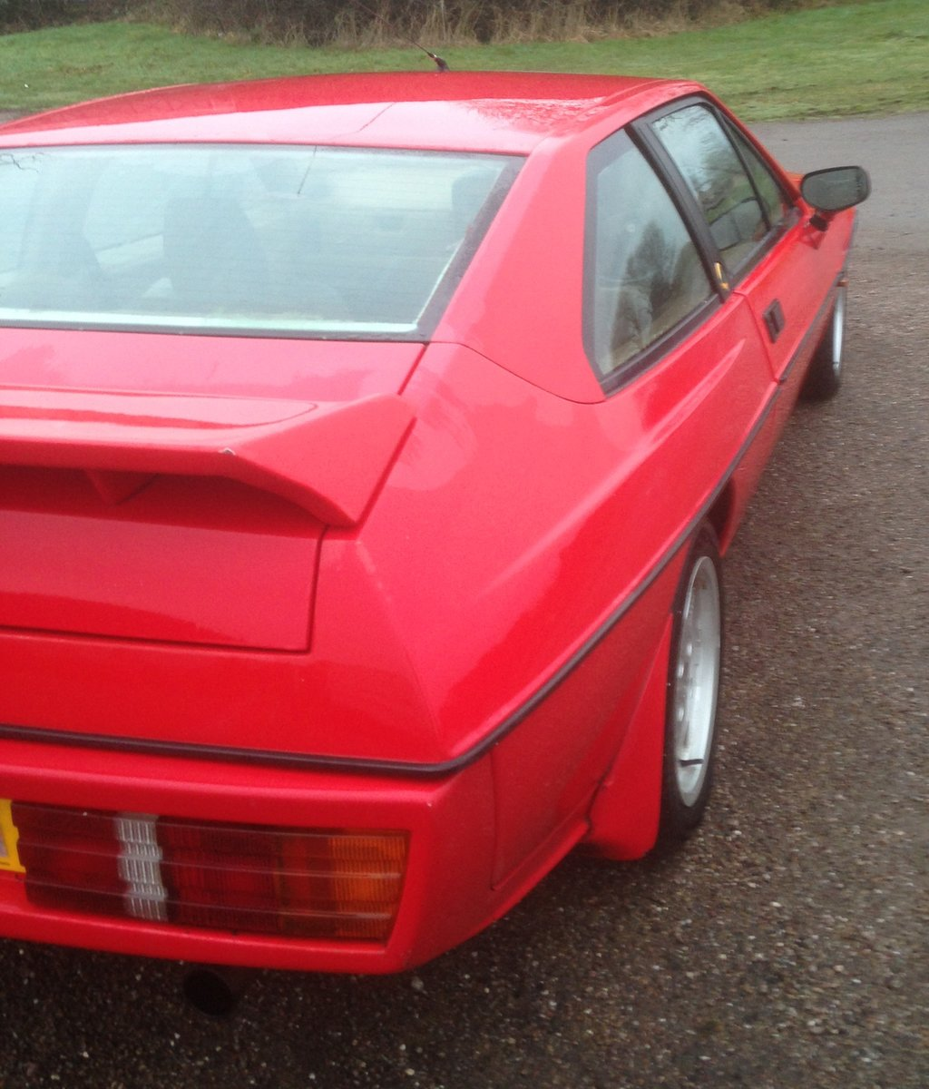 1992 Lotus Excel SE  SOLD (picture 2 of 5)