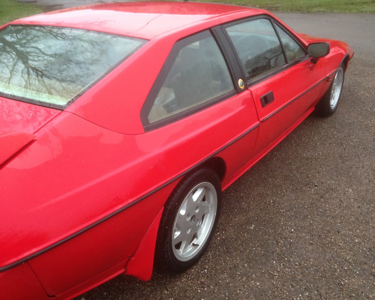 1992 Lotus Excel SE  SOLD (picture 5 of 5)