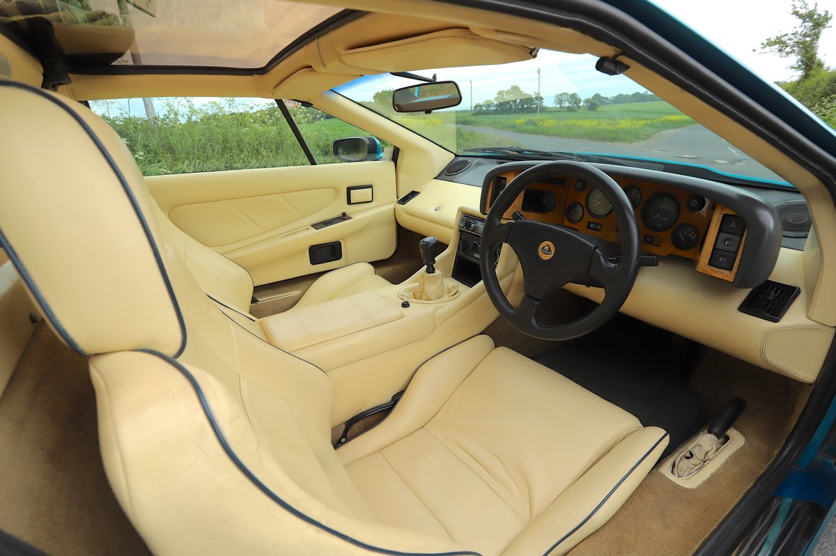 Lotus Esprit Turbo SE Hi-Wing, 1993.   Rare example  For Sale (picture 4 of 6)