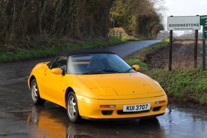 Lotus Elan SE Turbo, 1992.   Norfolk Mustard