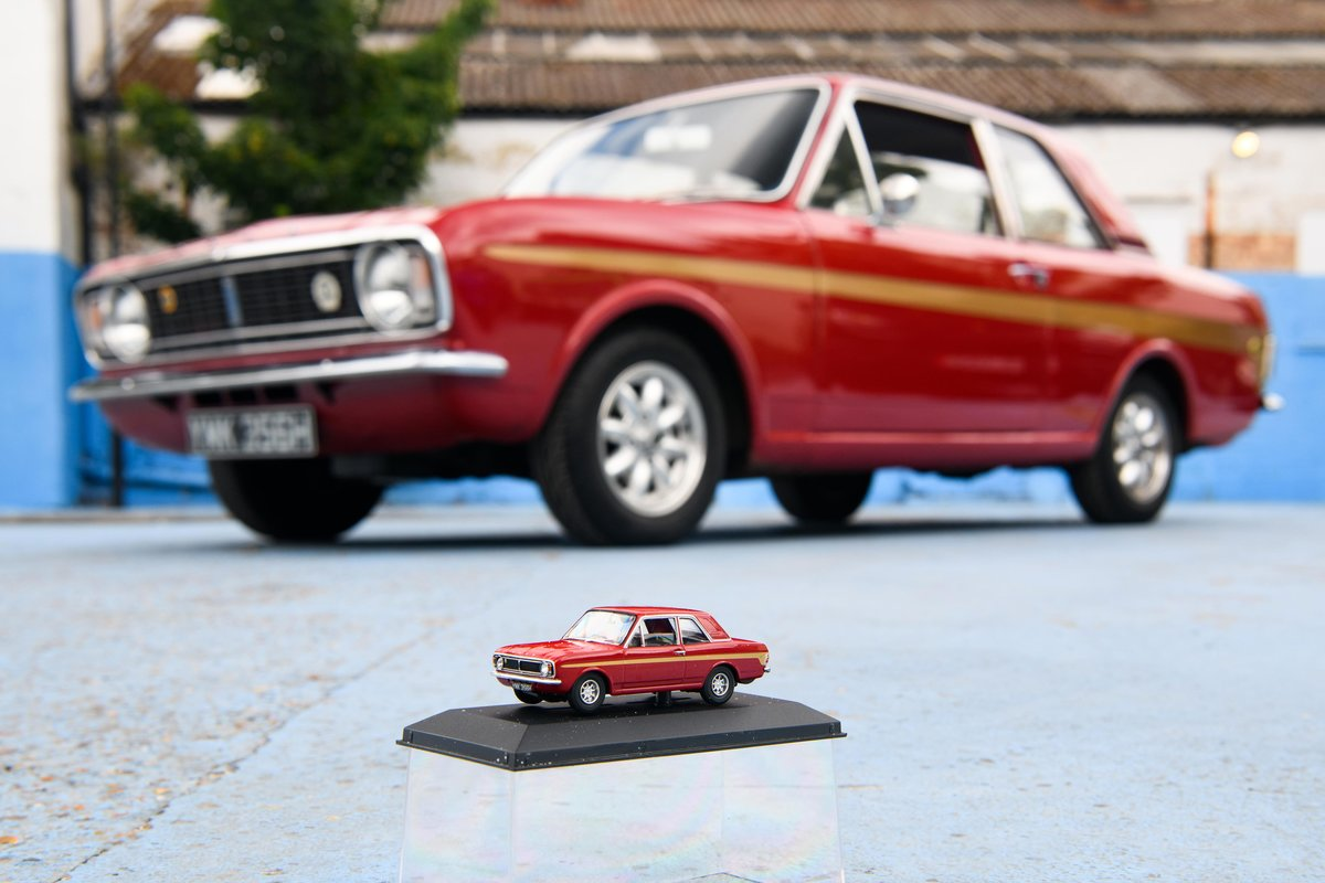 1970 Lotus Cortina Mark 2 SOLD (picture 2 of 16)