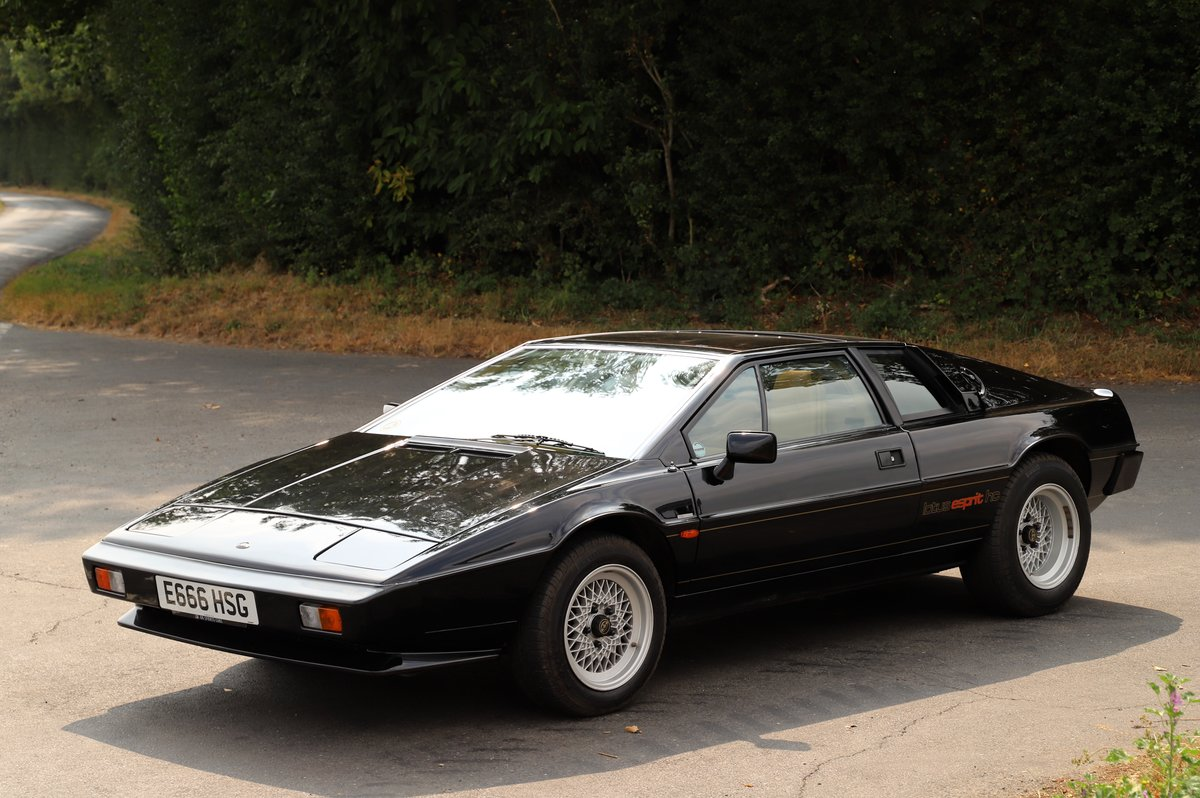 Lotus Esprit HC, 1987. One of only two HC Esprits in black  For Sale (picture 2 of 6)