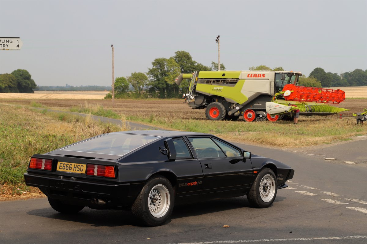 Lotus Esprit HC, 1987. One of only two HC Esprits in black  For Sale (picture 3 of 6)