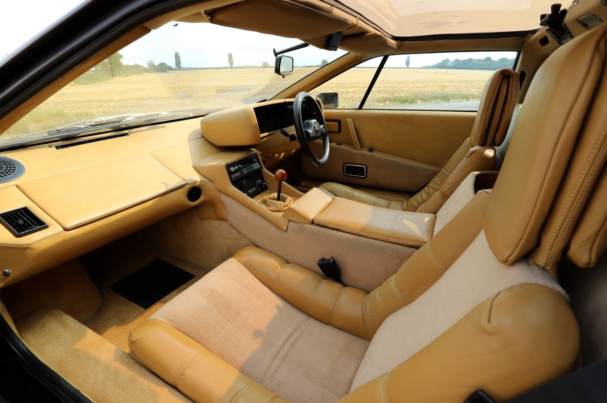 Lotus Esprit HC, 1987. One of only two HC Esprits in black  For Sale (picture 4 of 6)