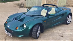 Picture of 1998 Lotus Elise, very original, great drive... For Sale