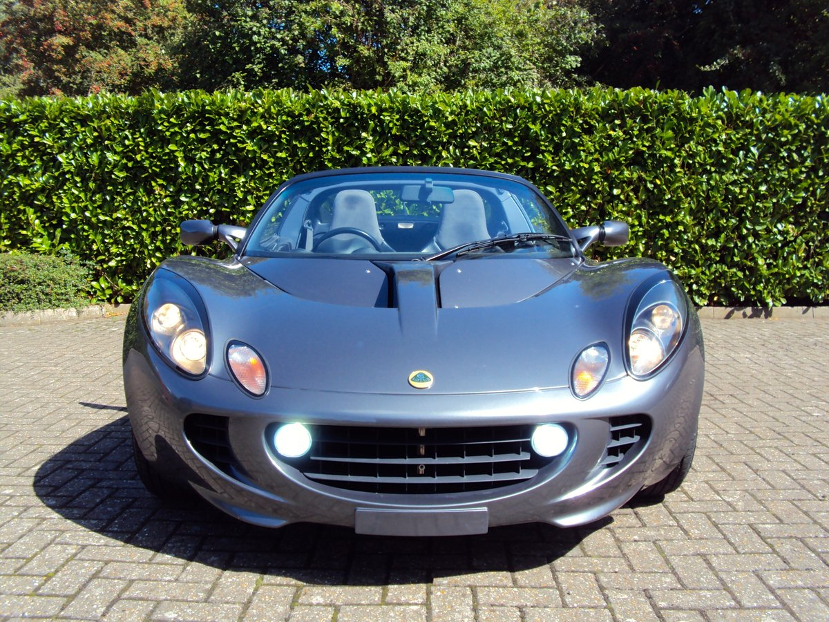 2002 An EXCEPTIONAL Low Mileage Lotus Elise 111S VVC - LARINI For Sale (picture 4 of 6)